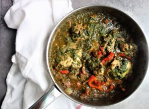 CHICKEN SAAG (SPINACH) CURRY - Delicious and easy to make!