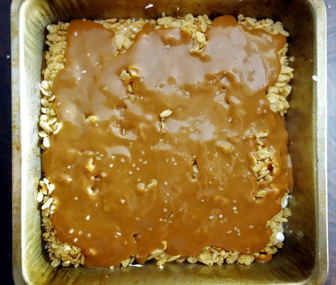 Try these delicious semi-homemade Caramel Marshmallow Crunch Brownies