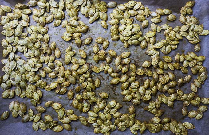 the best pumpkin seeds on a baking sheet