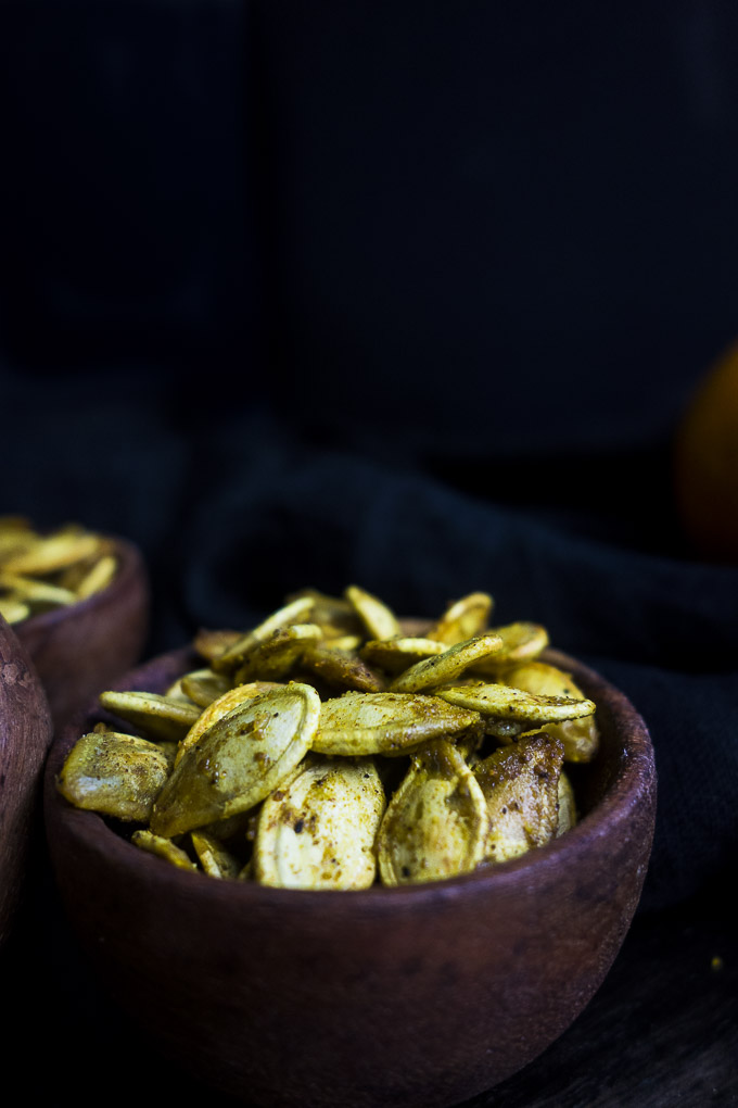 easy pumpkin seeds in a bowl