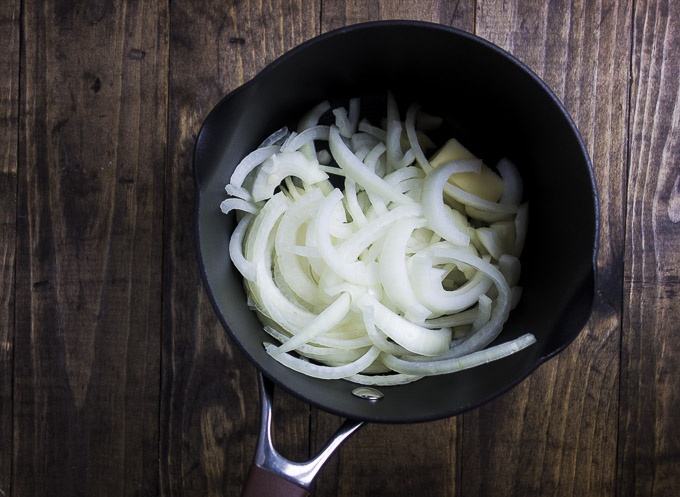 onions to make caramelized onions for flatbread pizza recipe