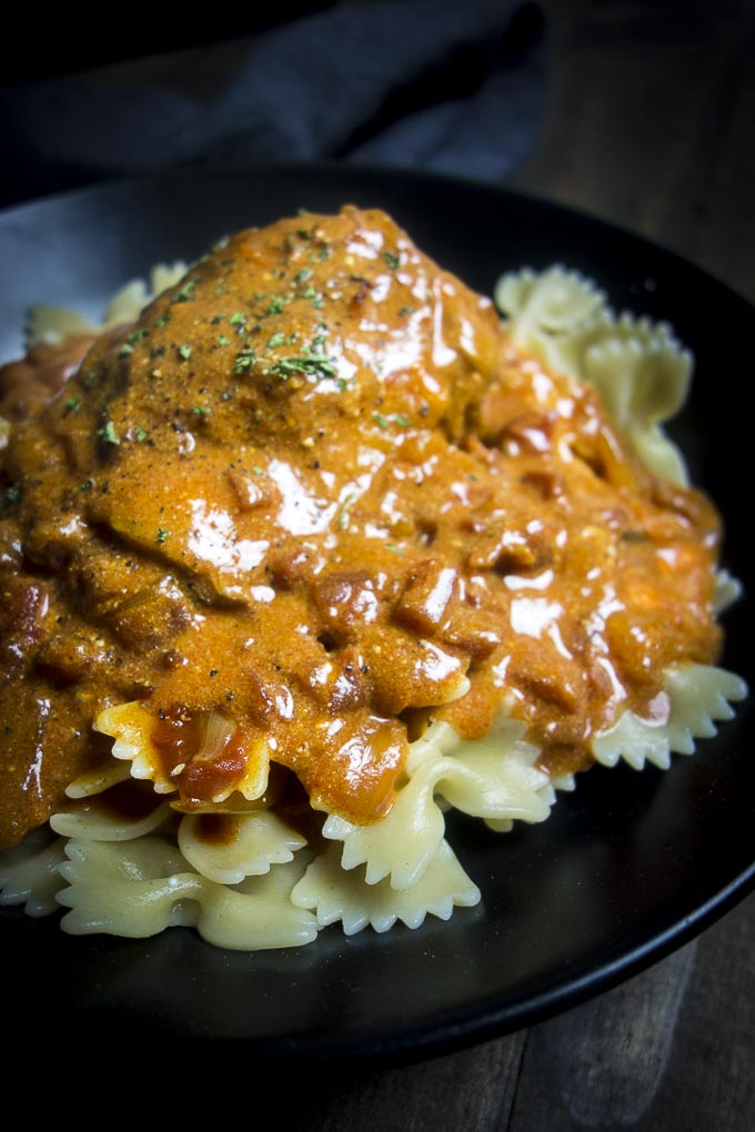 hungarian chicken paprika food photograpy