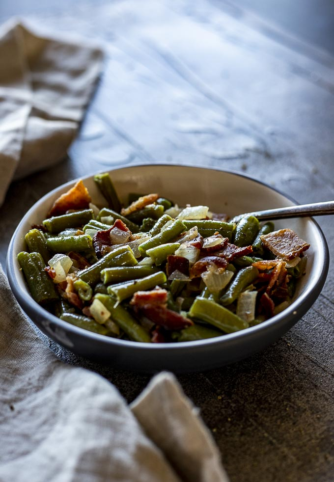 green beans and bacon in a bowl