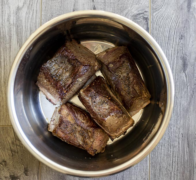 short ribs in an instant pot