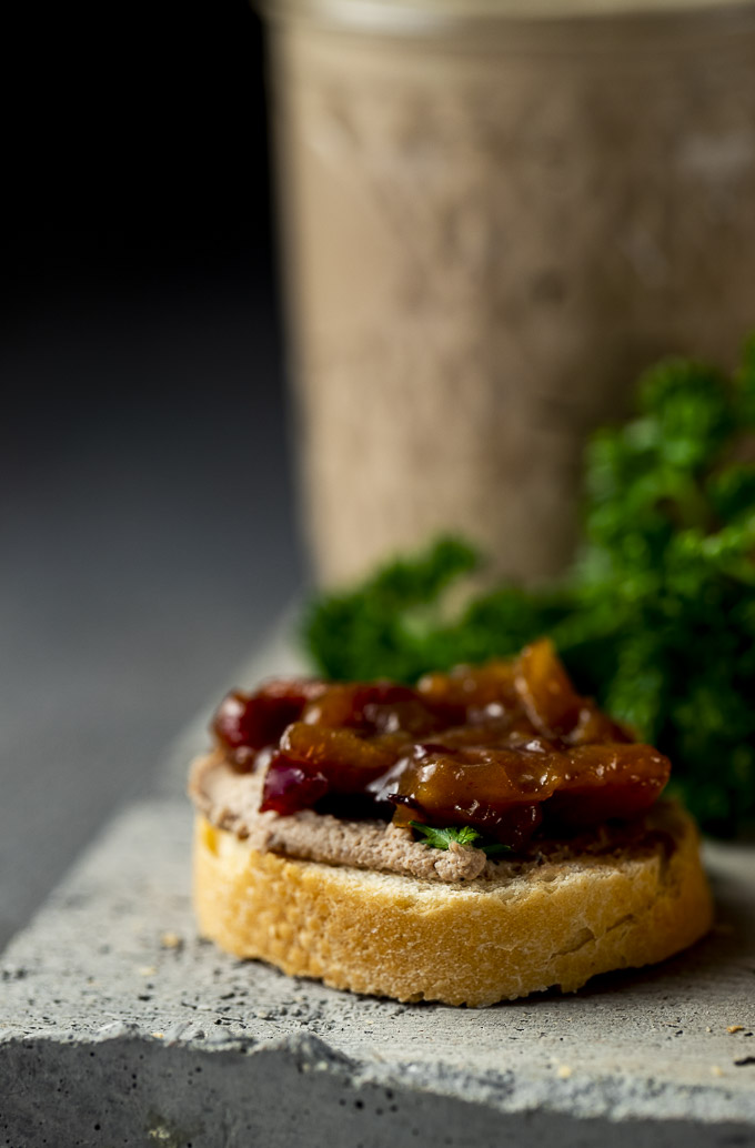 crostini covered with jam