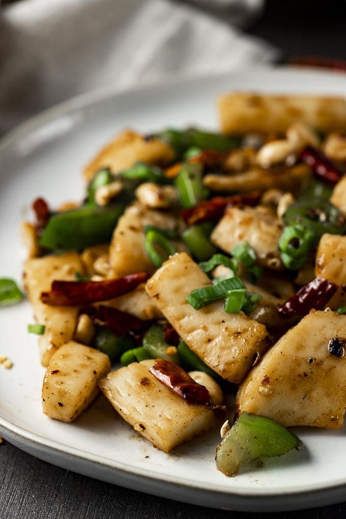 stir fried calamari pieces with green onions and dried chilies