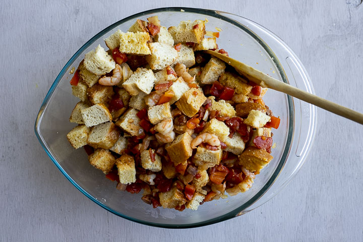 toasted bread cubes with vegetable mixture stirred in