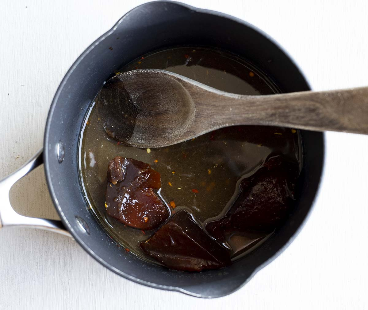 guava paste and sauce in a saucepan